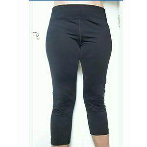 Rebook Black Capri leggings size XL
